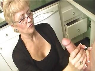 Mature blonde mom fucks in her face